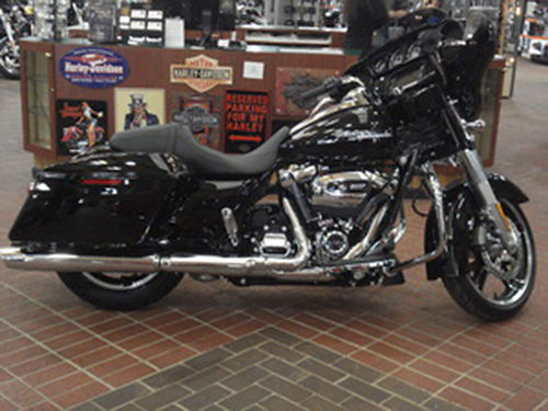 2017 HARLEY-DAVIDSON FLHXS Street Glide Special Color Vivid Black Mileage 7 CALL FOR QUOTE 423-