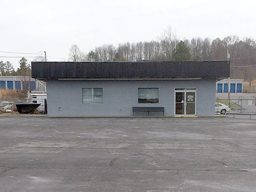JONESBOROUGH TN 1399 West Jackson Blvd - building and lot for lease 1000 sq ft Office 1000 sq ft S
