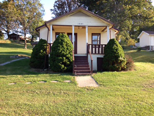 BRISTOL TN 3081 Weaver Pike 2BR 1BA large lot 87 acres  great location Lg kitchen separate