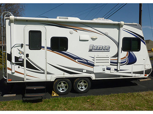 2013 LANCE model 1685 20 Fourseason camper 1 slide out fully self contained kitchen bath enter