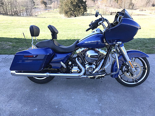 2015 HARLEY ROAD-GLIDE Special 1500 miles garage kept showroom-like condition started converting