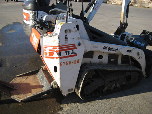 MINI TRACK LOADER 2014 Bobcat MT52 Only 3ft wide with bucket can handle tight spaces great work ho