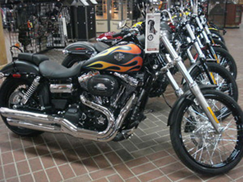 2017 HARLEY-DAVIDSON FXDWG Wide Glide Black Denim Flame Mileage 7 call for quote 423-283-0422