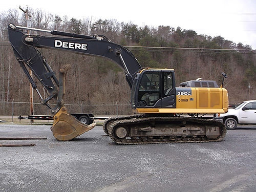 JOHN DEERE 290LC excavator with hydraulic thumb 2900 hours excellent condition no leaks no issue