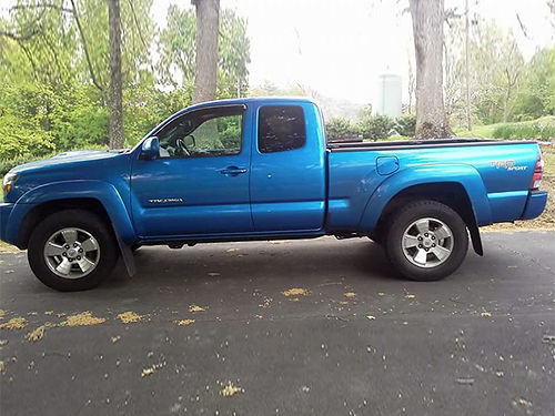 2009 TOYOTA TACOMA TRD Sport electric blue double cab 4x4 V-6 6sp 100552 miles ps pb pw p