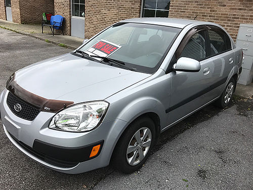 2008 KIA RIO 114k Clean both inside and out Great first car 3200 423-360-1482