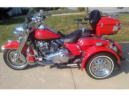2010 HD ROAD KING wBolger Trike Kit only 4200 miles many extras very good tires never in the ra