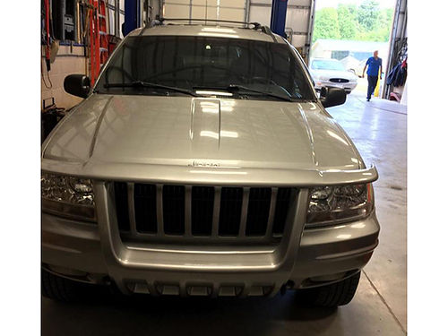 2000 JEEP GRAND CHEROKEE Limited leather only 75000 miles good shape 1 owner sunroof 4WD goo