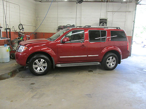 2012 NISSAN PATHFINDER Silver Edt 4x4 3d row seating leather psunroof fully loaded newer tires