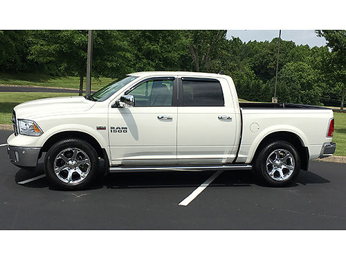 2016 DODGE RAM 1500 Crew Cab 4x4 6K miles V8 Hemi 57L MDS VVT 8sp auto anti-spin full leather