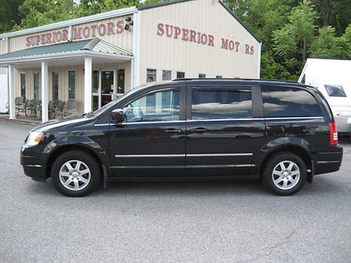 2010 CHRYSLER TOWN  COUNTRY leather DVDs all power 7585 8995 VA DLR - SUPERIOR MOTORS Bristo