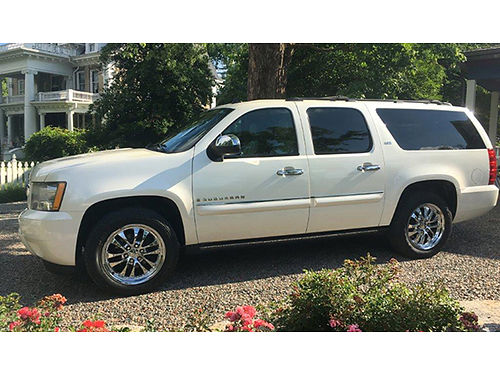 2008 CHEVROLET SUBURBAN LTZ 4x4 Diamond White one owner local loaded with every option SunFun