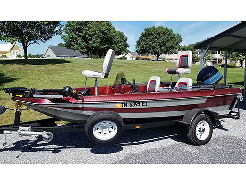 1985 ASTROGLASS 15 bass boat 88hp Evinrude special outboard NEW Decking Carpet 4 New Seats to