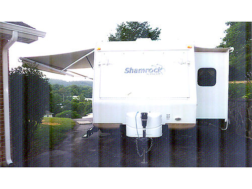 2012 SHAMROCK 21 Travel Trailer superslide sofa booth queen beds with heated mattresses electr