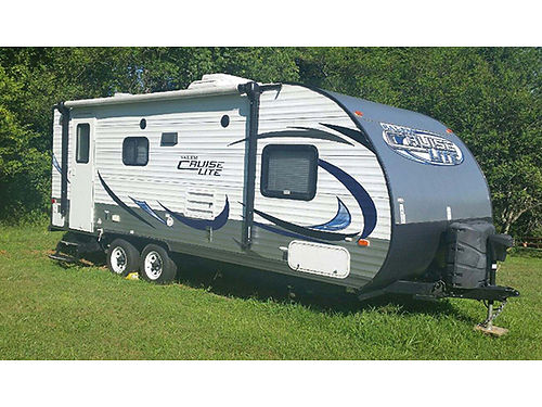 2015 SALEM LIGHT 25 one slide out self contained many extras asking 12900 call 423-943-3840