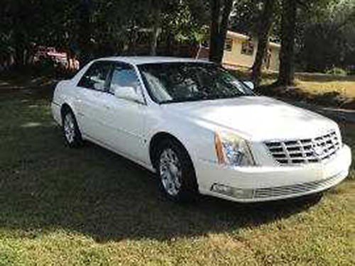 2008 CADILLAC DTS pearl white V8 auto air tilt cruise loaded leather CD one owner 100K mil