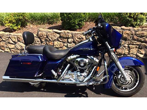 2006 HARLEY STREET GLIDE blue 21K miles Mustang touring seat and back rest garage kept well main