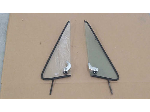 VENT windows for 1981 to 1987 GM full size trucks 270 for both 423-753-9001