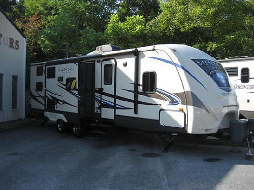 2015 SUNSET TRAIL 28BH bunks 2 slides kitchen island air pawning a Must See RV7621 23995