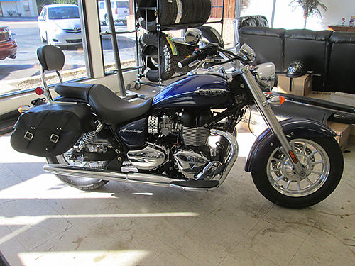 2014 TRIUMPH AMERICA LT 900 run boards heel lto toe shift leather bags only 4000 miles Wow Pric