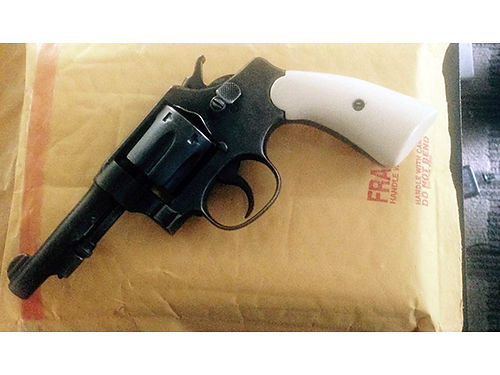 PISTOL Smith  Wesson 32 long military pistol early 1900s has cracked barrel can be replaced 2