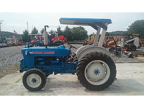 TRACTOR Ford 3000 diesel PS excellent tires roll bar new canopy 2806 hours 5900 Mason Equipm