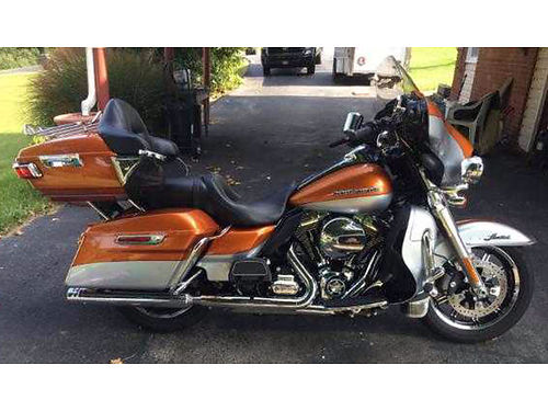 2014 HARLEY ULTRA Limited Amber Whiskey  silver Stage I kit plus many more add ons garage kept