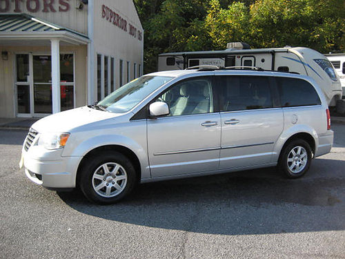 2010 CHRYSLER TOWN  COUNTRY auto air power equipped 122000 miles 7634 8995 VA DLR - SUPERIO