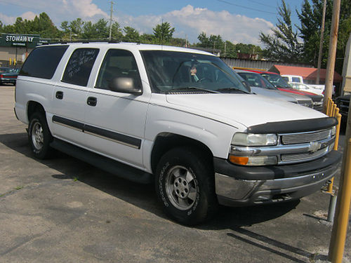 2003 CHEVY SUBURBAN 4dr 3rd row seat runs great V8 auto loaded air all pwr CD 8839 7200