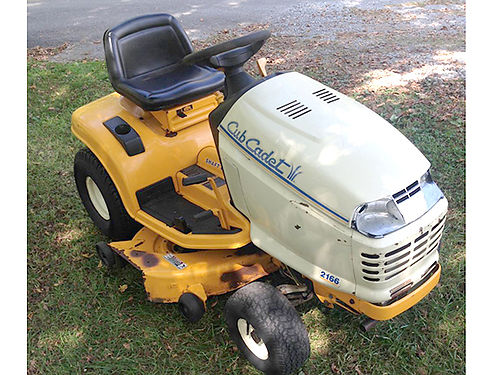 LAWN TRACTOR 2166 Cub Cadet shaft drive lawn tractor hydro 42 cut 16hp Kohler engine 386 hours