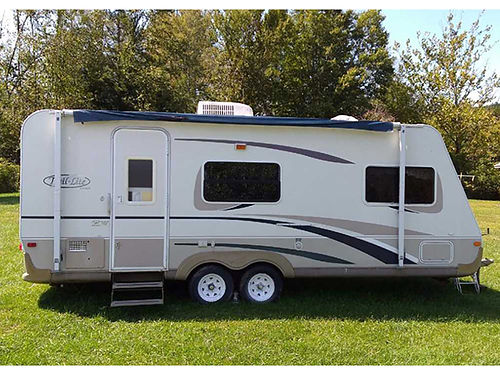 2003 TRAIL-LITE 24 travel trailer super light weight sleeps 4 air loaded wextras easy to pull