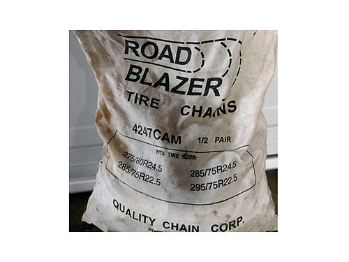 TIRE CHAINS Road Blazer semi truck  trailer snowmud tire chains never used new fits 225 and 24