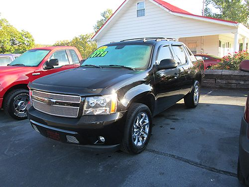 2007 CHEVY AVALANCHE LT 4X4 pwr sunroof leather 20 wheels new tires fully loaded black on bla