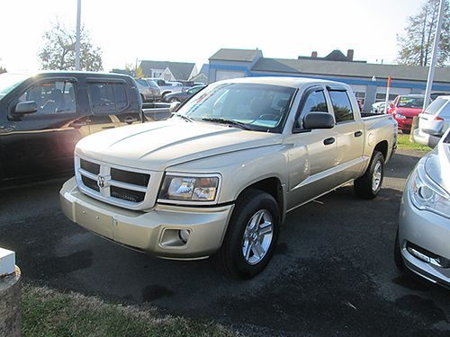 2011 DODGE DAKOTA Big Horn crew cab aotu air CD 7433A 13995 WALLACE USED CARS BRISTOL