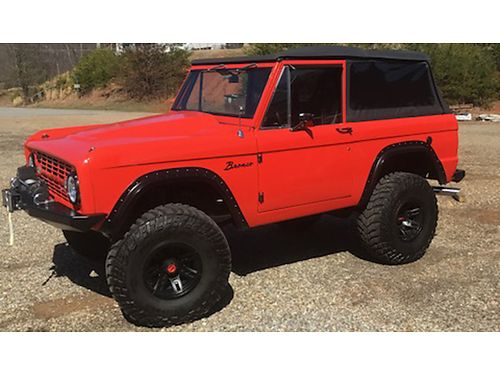 1972 FORD BRONCO Nicely restored 302 Engine 3 Speed on Column Runs great Happy to talk or text