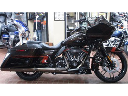 2018 HARLEY-DAVIDSON FLTRXSE CVO Road Glide Stock 953809 Black Earth  Vivid Black Mileage 7
