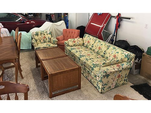 COUCH 2 matching chairs 2 end tables lk new 200 423-502-1965
