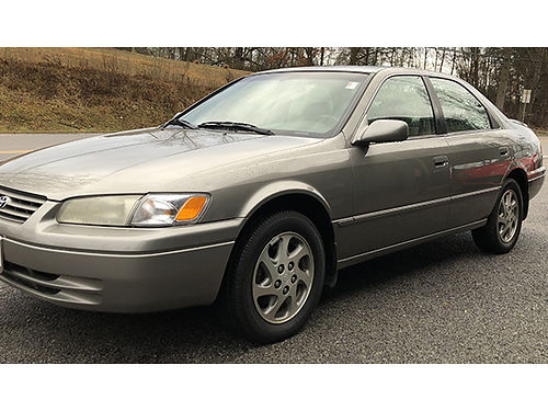 1997 TOYOTA CAMRY beige 4dr psunroof keyless 6cyl auto loaded 137K runs good Clean 070020