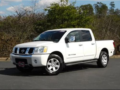 2005 NISSAN TITAN LE 4dr V8 56L auto loaded leather CD pw pl tow package 5N554196 12370