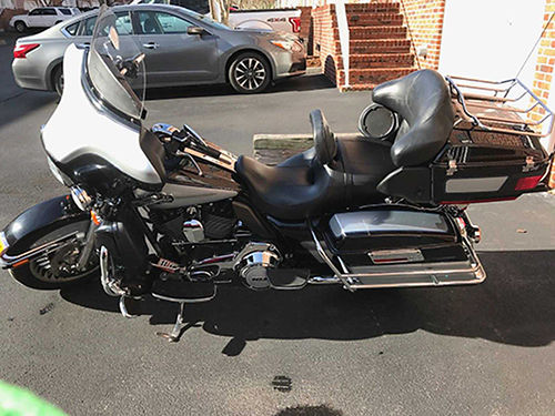 2013 HARLEY ULTRA CLASSIC Electra Glide 26K miles must sell due to health theft protection many