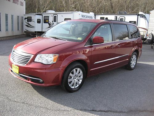 2012 CHRYSLER TOWN  COUNTRY leather all power DVD alloys 74k miles 7699 13995 VA DLR - SUPE