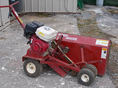 TRENCHMASTER F1202 walk behind Trencher 13hp Honda trenches 3-12 deep great for landscapes inst