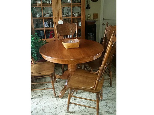DINING TABLE round with leaf and 4 chairs solid oak 350 423-534-4336