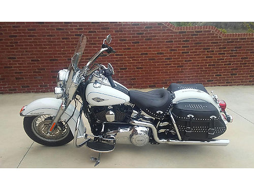 2012 HARLEY HERITAGE Softail white 14K miles EC 9000 423-257-5587 leave mess