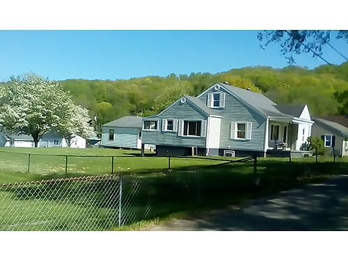 KINGSPORT TN pretty 4BR home2 septic systems concrete basement  driveway 2 car garage apt si