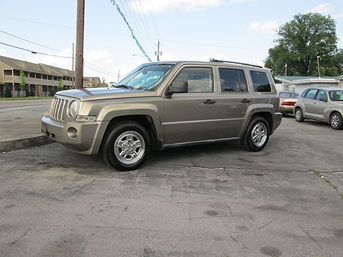 2007 JEEP PATRIOT 4WD 4 cyl champagne wtan cloth all power 4 dr CD alloys tilt cruise 175k