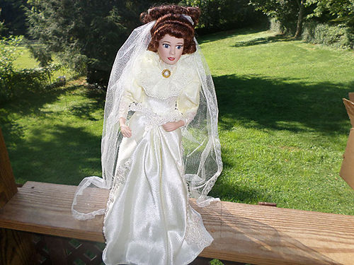 PORCELAIN DOLL Gibson Girl Cameo Bride Elizabeth still in shipping box stand certificate of authe