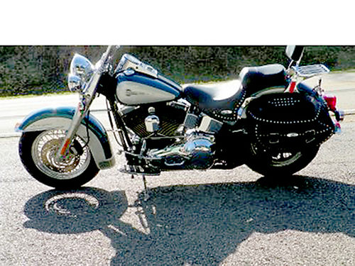 2004 HARLEY SOFT TAIL GREAT BIKE Screaming Eagle pistons and cams sounds great sharp 01984M 7250