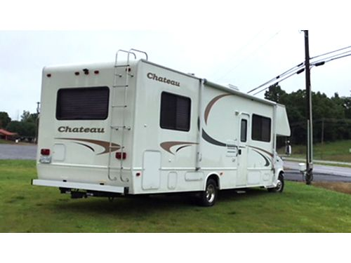 2002 FOUR WINDS Chateau E450 chassis 28k miles one slide sleeps 7 people upgraded radio backup