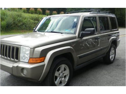 2006 JEEP COMMANDER 4X4 169K Auto loaded Leather PSunroof Small Sunroofs in the back Tilt